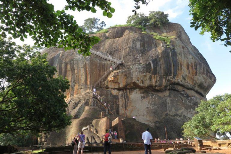 srilanka - Sigiriya-Kapak-Resmi.jpg