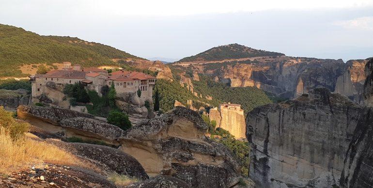yunanistan - Meteora-Kapak.jpg